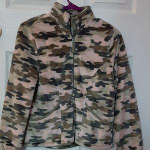 Fluffy army prink jacket.